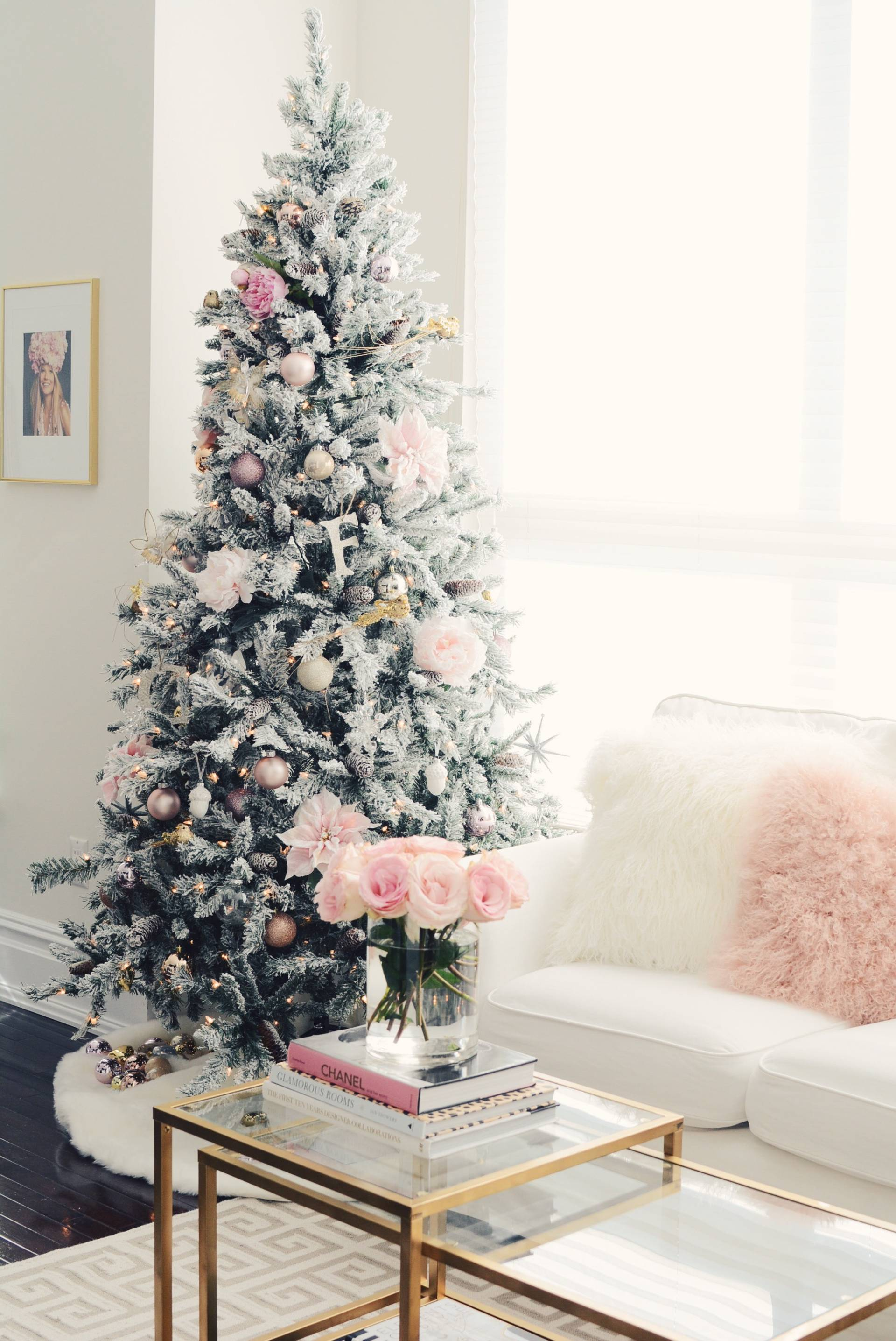 How To Decorate The Perfect Pink Christmas Tree The Pink