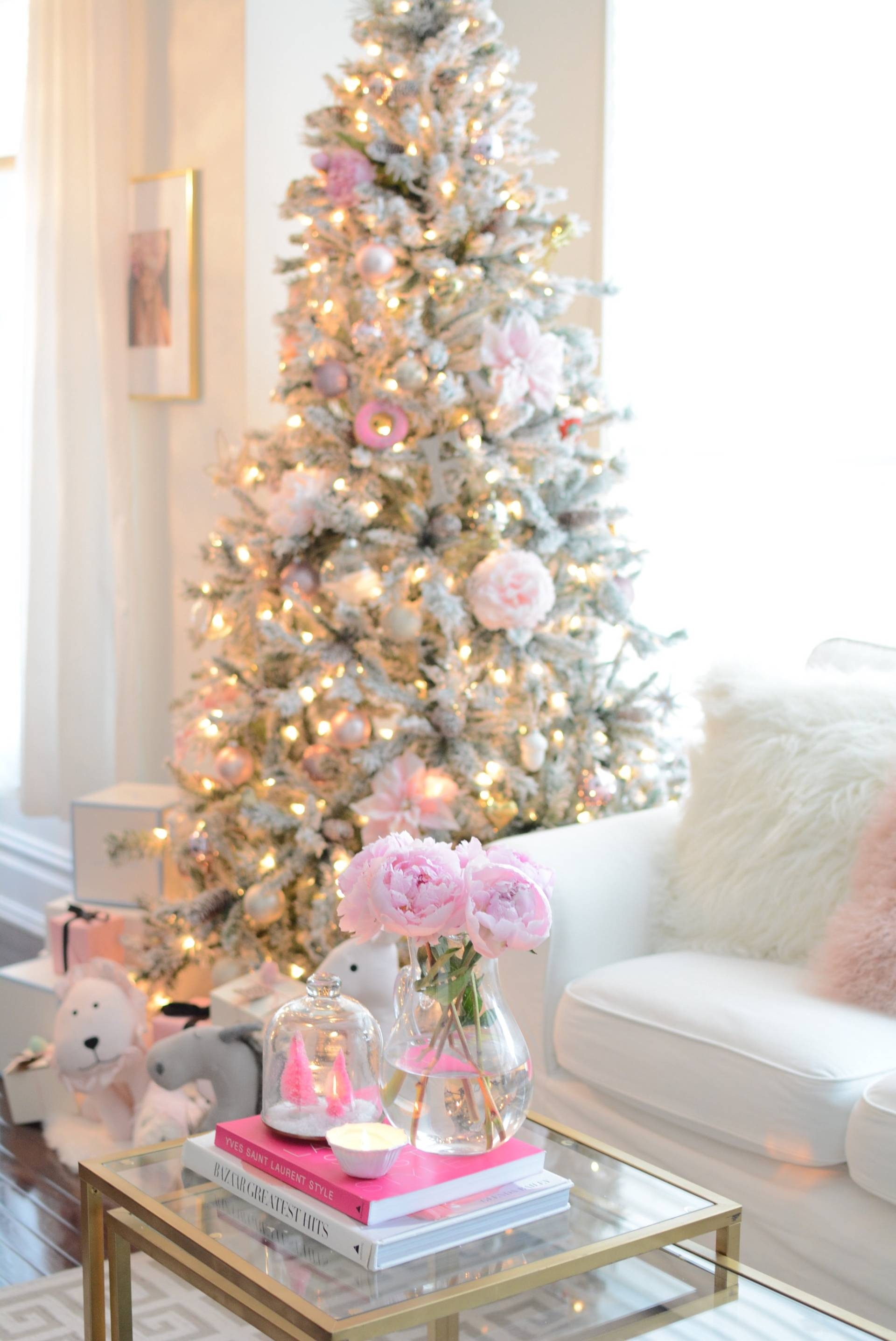 How To Decorate The Perfect Pink Christmas Tree The Pink Dream