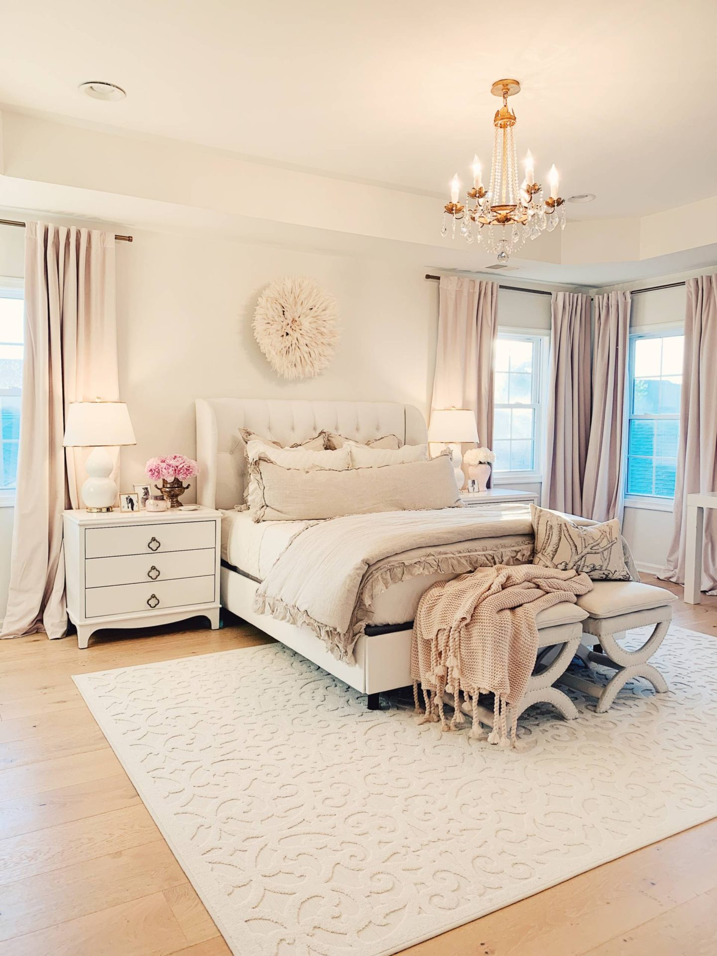 Master Bedroom Decor: a Cozy & Romantic Master Bedroom ... on Master Bedroom Curtains  id=77717